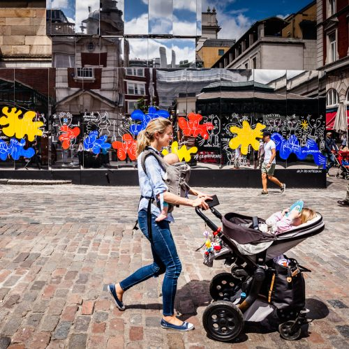 20160711_Westminster_Covent-Garden-Piazza_Chilled-Mum