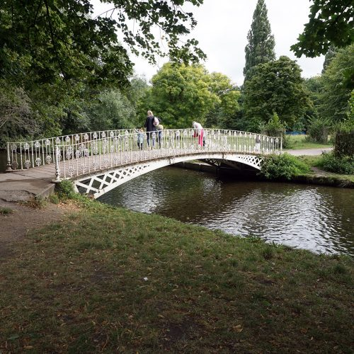 2016-08-10-LB-Merton_Morden-Hall_Architecture_Summer_Bridge-over-the-Wandle-at-Morden-Hall