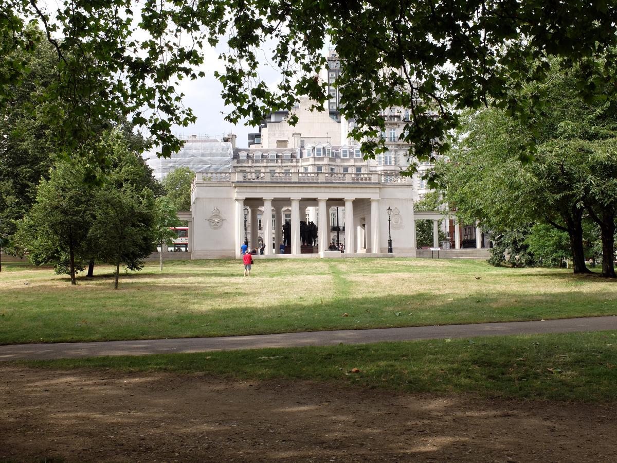 Bomber-Command-Memorial-Green-Park