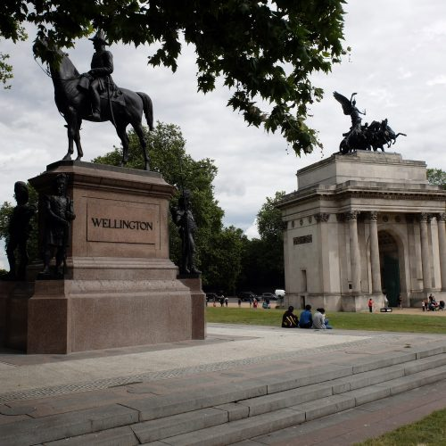 Wellington-Arch-and-Statue-Hyde-Park-Corner
