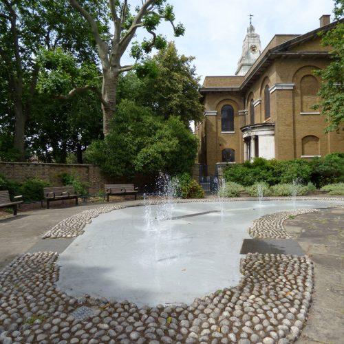 20160707_Hackney_St-John-At-Hackney-Churchyard_St-John-At-Hackney-Church