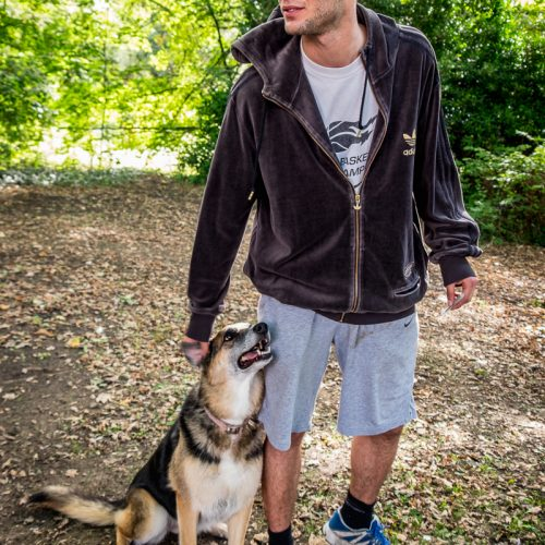 20160928_Barnet_Woodside-Park_Actor-and-Dog