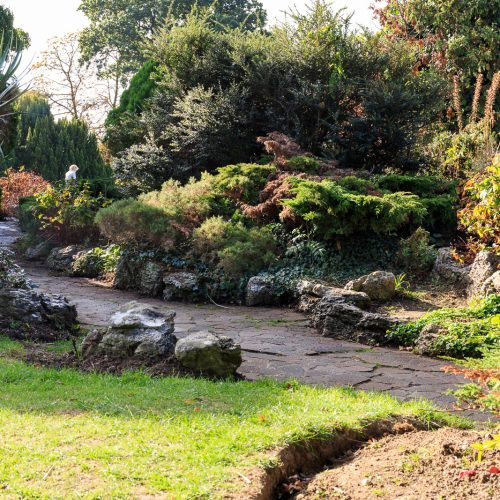 20161012_hillingdon_pinner-memorial-park_-garden-path