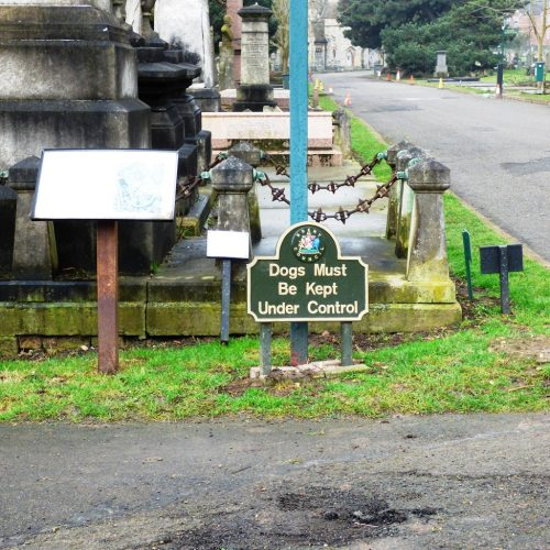 20170211_Brent_Paddington-Old-Cemetery_Only-well-behoved-owners-may-visit