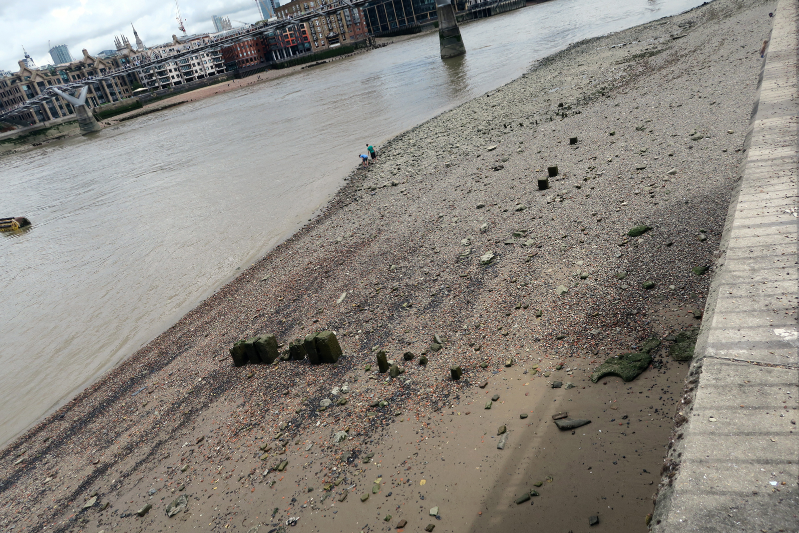 17-Low-tide-Bankside-11_7_16