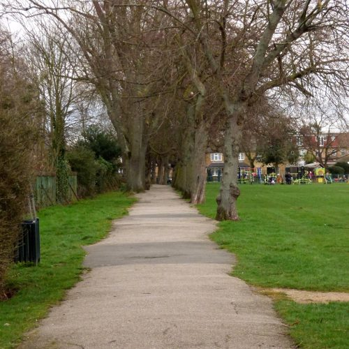 20170306_Redbridge_Barkingside-Park_The-Narrow-Side-of-Barkingside