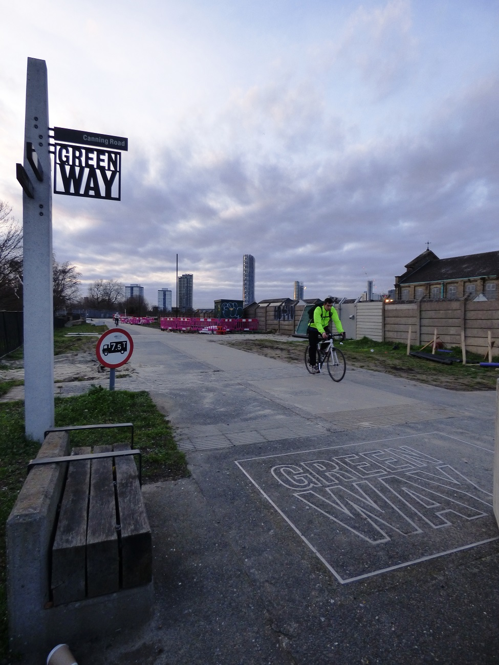20170313_Newham_The-Greenway_The-Green-Way