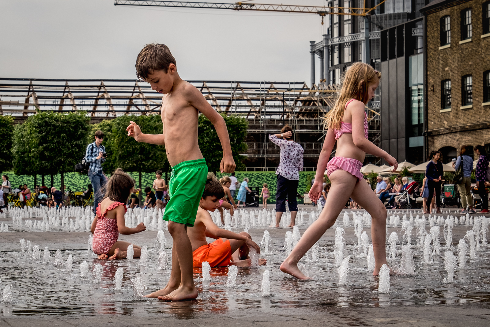20160818_Camden_Granary-Square_Cooling-the-kids