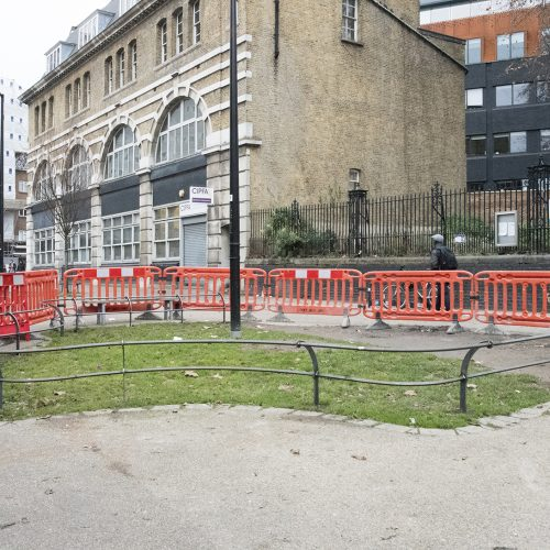 20161218_Lambeth_Beside-St-George-the-Martyr_Landscape_Winter_Is-this-the-smallest-most-fenced-bit-of-green-in-London