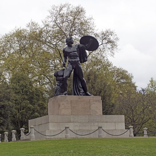 2017-04-17-Hyde-Park_Statue_Spring