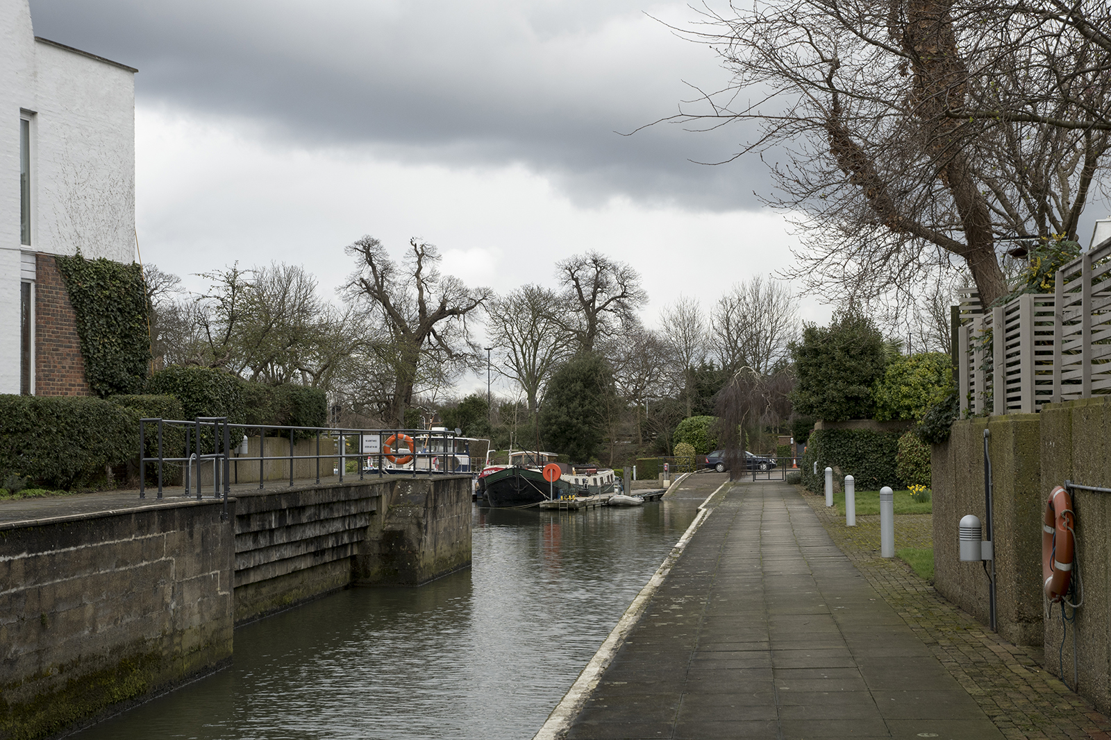 20170308_Hammersmith-and-Fulham_Thames-Path_Landscape_Winter_Lock-into-Chiswick-Quay