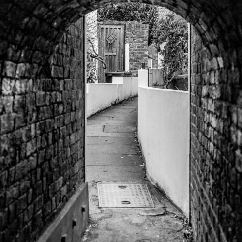 20170308_Hounslow_Strand-on-the-Green_Pretty-Alley
