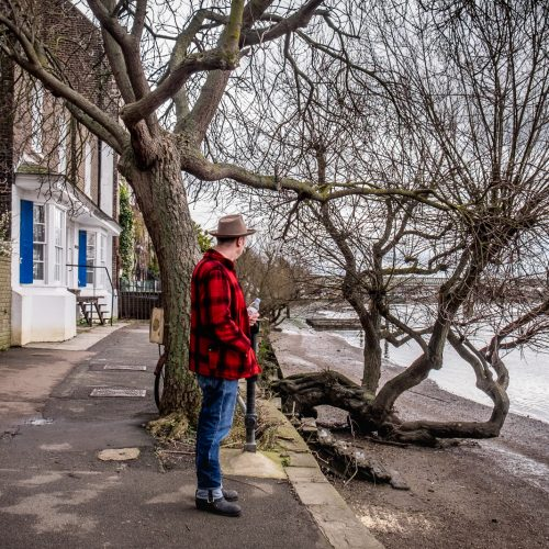 20170308_Hounslow_Strand-on-the-Green_Red-Jacket