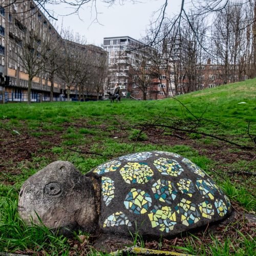 20170311_Tower-Hamlets_Robin-Hood-Gardens_Stone-Me-Its-a-Turtle