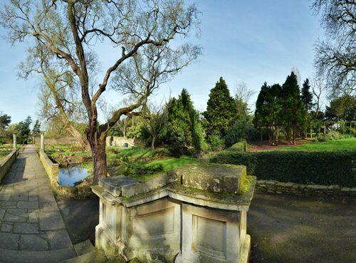 20170313_brent_barham_park-walled-garden