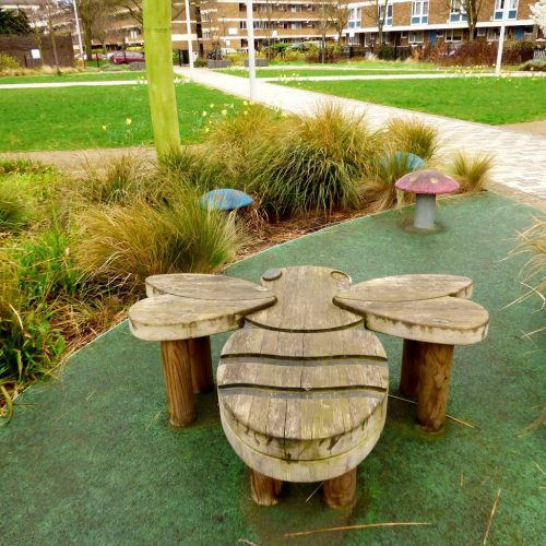 20170320_Tower-Hamlets_St-Stephens-Green_Busy-Bee-Resting-Place