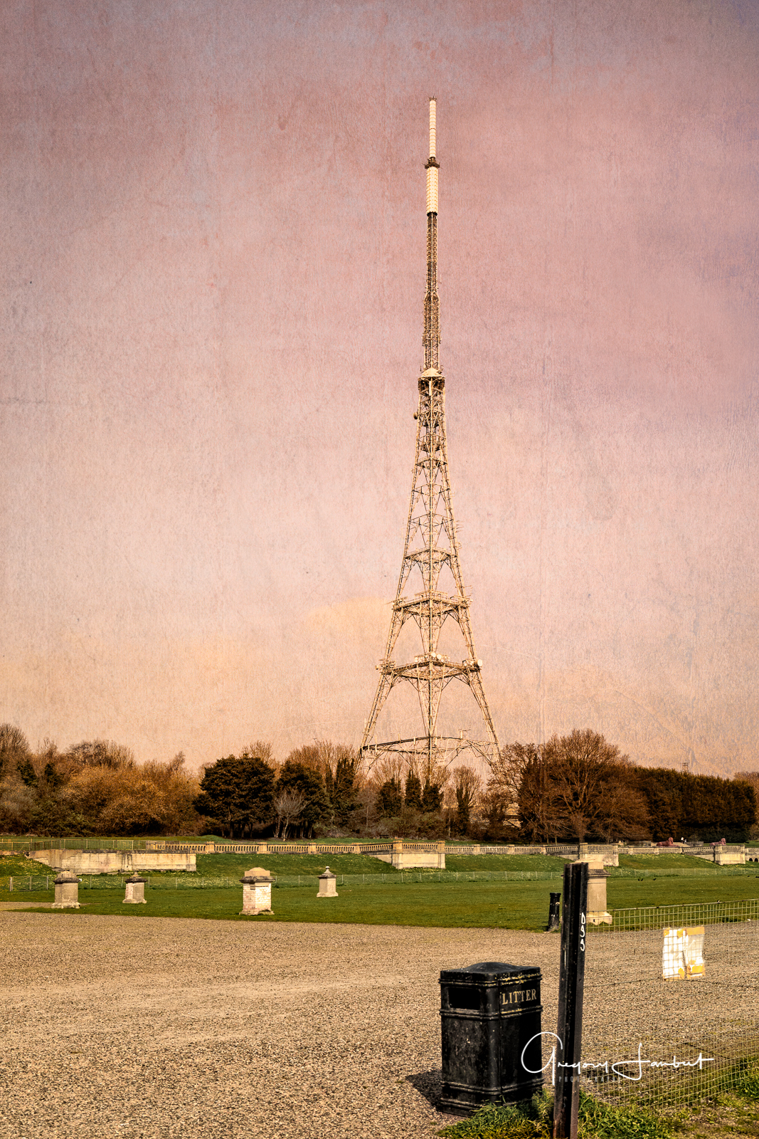 20170327-_61A0102_Bromley_Crystal-Palace-Park_BBC-Transmitter-stands-tall