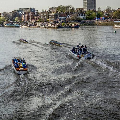 20170402_Hammersmith-and-Fulham_Hammersmith-Bridge_-Oxford-mens-boat-leading