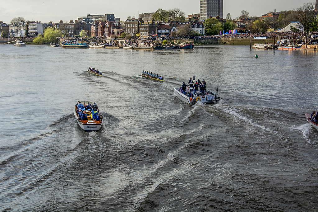 20170402_Hammersmith-and-Fulham_Hammersmith-Bridge_-Oxford-mens-boat-leading