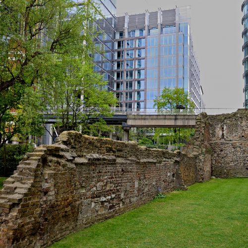 20170416_City-of-London_Monkwell-Square_Fragment-of-London-Wall