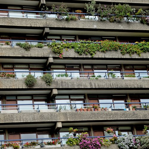 20170416_City-of-London_The-Barbican-Estate_Starting-to-bloom