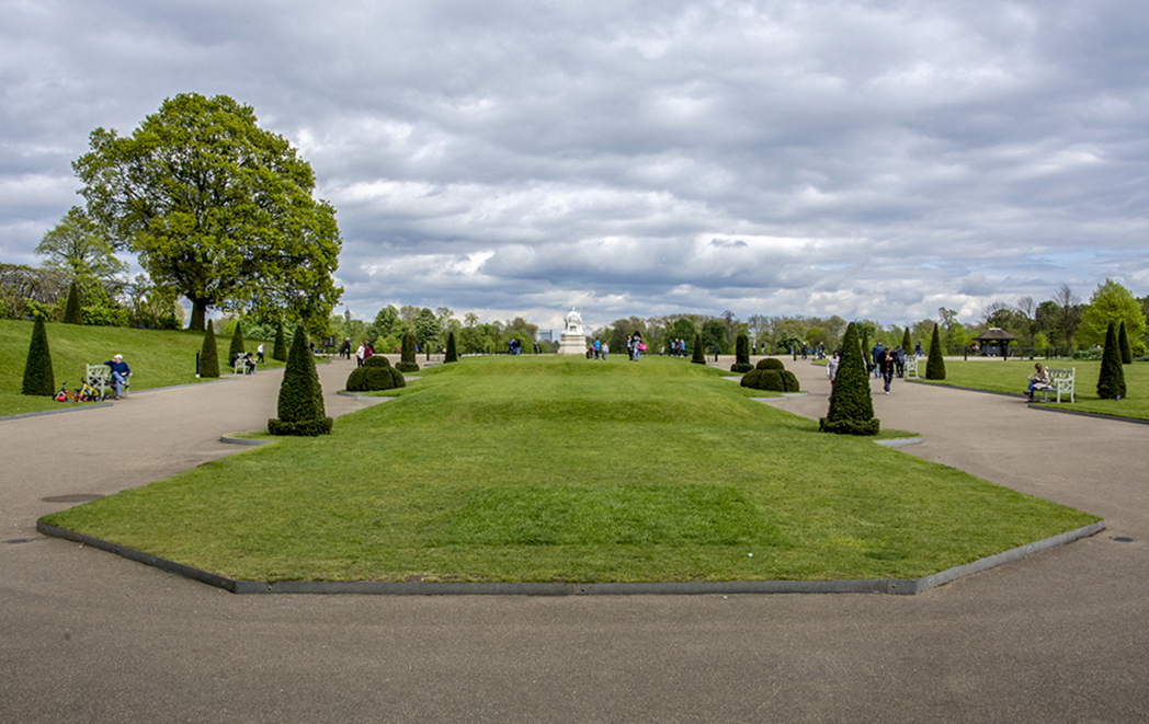 20170417_Kensington-and-Chelsea_-Kensington-Gardens_Approach-to-Kensington-Palace-Gardens
