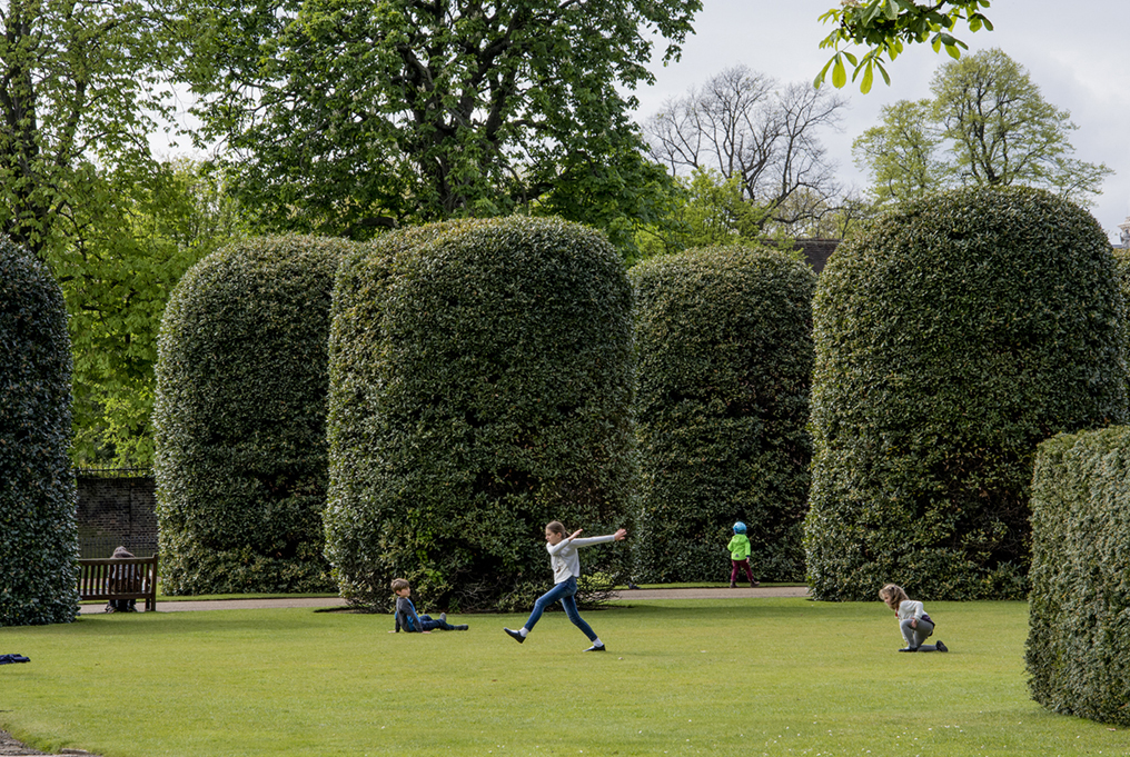 20170417_Kensington-and-Chelsea_-Kensington-Palace-Gardens_Play