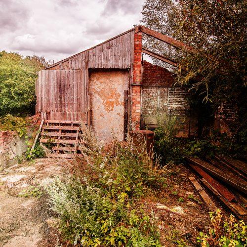 5751-farm-building-in-green-belt