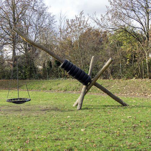 2016-11-24-Croydon_Landscape_Small-Park_Autumn-Play-area-or-torture-machine