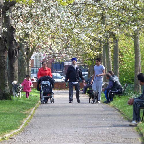 20170403_Newham_Plashet-Park_A-family-stroll