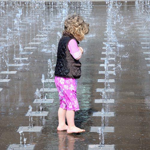 20170415_Camden_Granary-Square_Very-cold-water